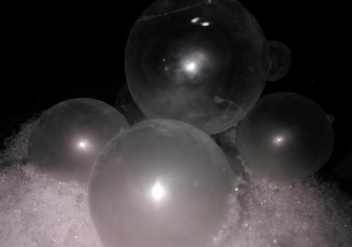 AISTRINGOJI VAIKYSTĖ: Burbulus pūtėme...žiemą