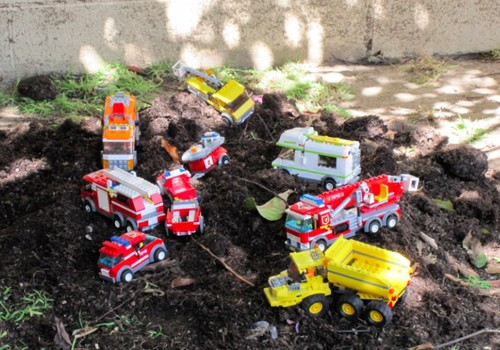 Kiek ir kokių žaislų imti su vaiku į lauką?