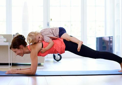 Mankšta po gimdymo: 4 svarbūs pratimai