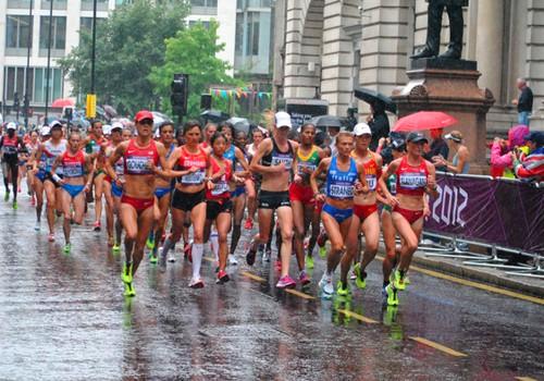 Pusmaratonio bėgikė nežinojo apie nėštumą