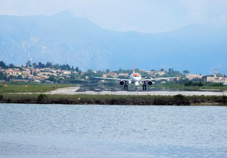 Tiesioginiu skrydžiu į Graikijos havajus: lankytinų vietų šeimai rekomendacijos