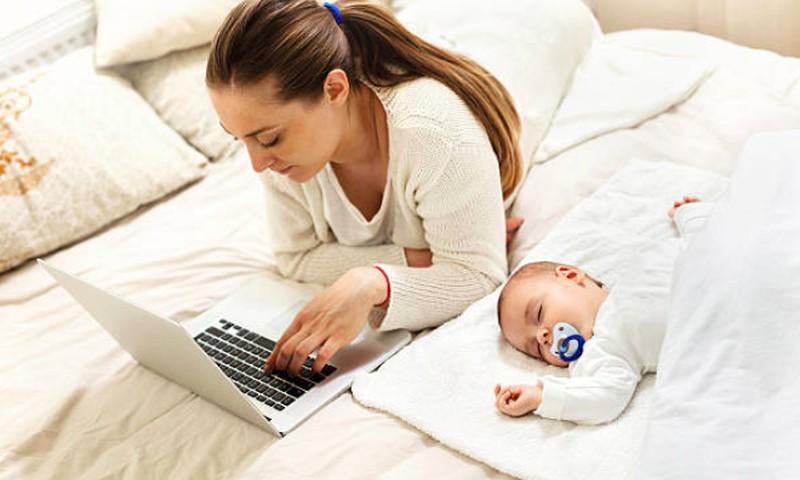 Klausk akušerės Marijos Mizgaitienės apie nėštumą, kūdikio priežiūrą - ir gauk išsamų atsakymą!