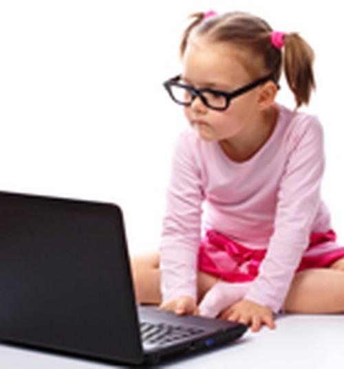 Vaikas prie kompiuterio: kaip išvengti neigiamų pasekmių