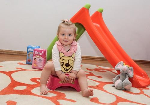 Ką daryti, jei dvimetė labai daug geria ir nepripažįsta puoduko? Pataria kineziterapeutė
