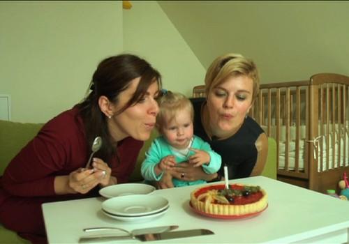 TV Mamyčių klubas 2016 10 02: Super mažylės tortadienis, kūdikio vystymas ir mažylio garderobas