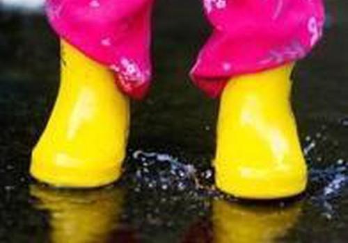 Ar vaikštinėjate su mažuoju per lietų?