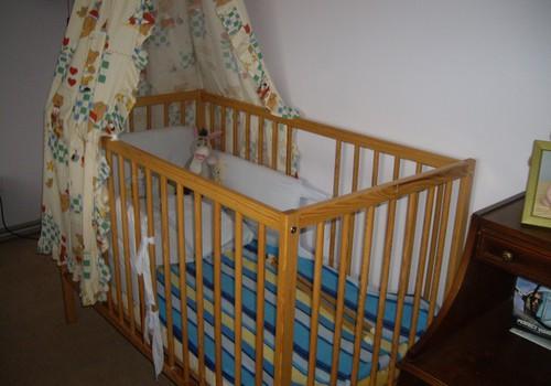 Parduodu vaikišką lovytę