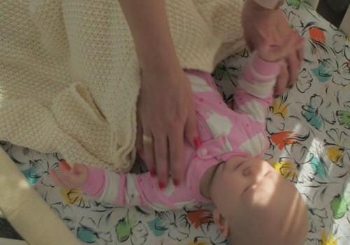Vystymosi kalendorius: dažniausiai užduodami klausimai apie mažylio miegą pirmaisiais metais