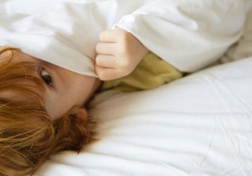 Kokios pagrindinės tėvų daromos klaidos, vaikui šlapinantis į lovą?