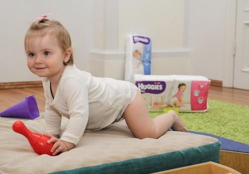 Kas skatina mažylį ropoti?
