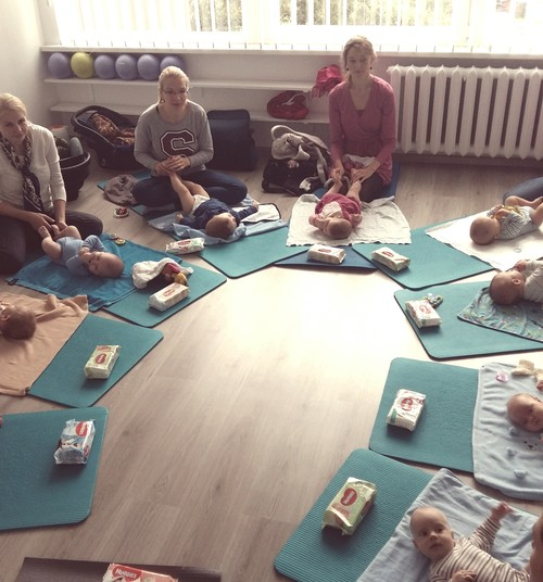 FOTO reportažas iš kūdikių masažo seminaro su kineziterapeute Viktorija
