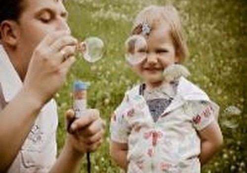 Tėčio labiau reikia dukrai ar sūnui?