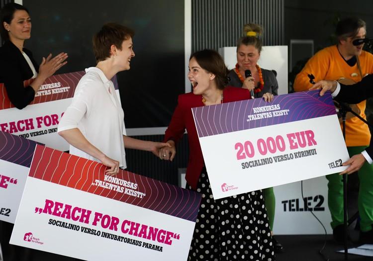 Pirmą kartą Lietuvoje: tėvai, auginantys vaikus iki 3 metų, gaus pagalbą SMS žinutėmis