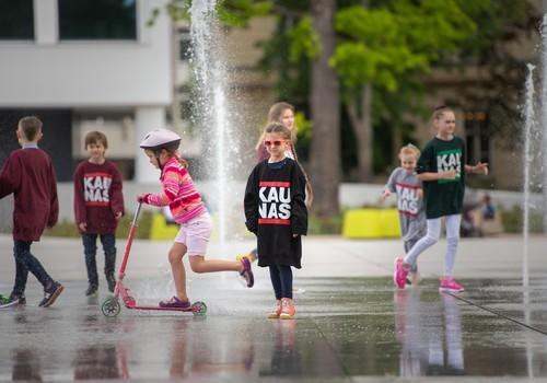 Keli tūkstančiai Kauno vaikų galės nerti į vasariškus nuotykius: prasideda registracija į stovyklas