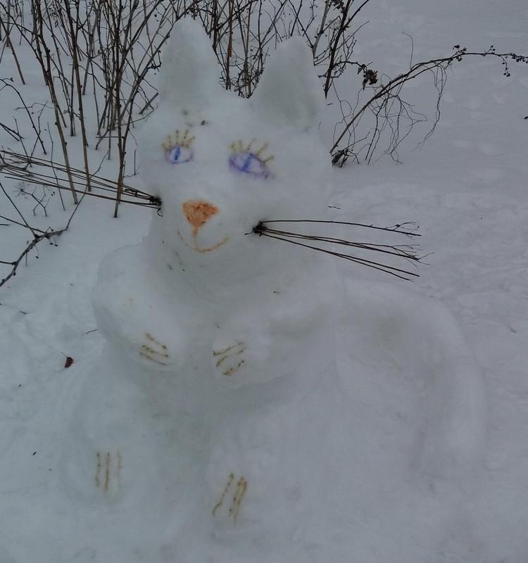 Žiemos ritmu: sniegas limpa,tai lipdome :)