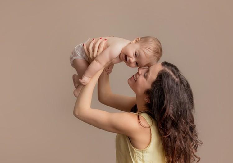 Kokie tinkamiausi žaidimai su kūdikiu: pataria kineziterapeutė