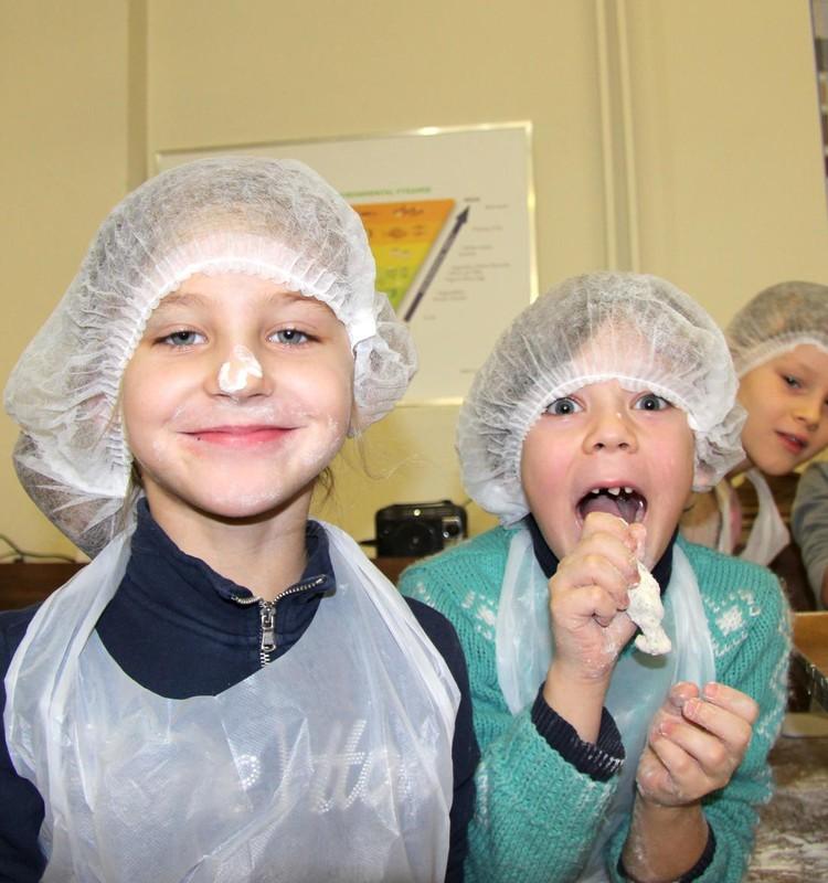 Kūčiukų kepimo tradiciją puoselėja vaikai