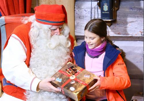 Saulė Laplandijos Kalėdų senio paprašė dovanų ir mamai