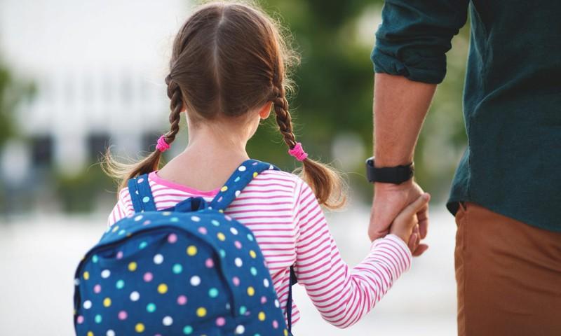Ekspertų patarimai būsimų pirmokų tėvams: kaip palengvinti naujoko dalią?