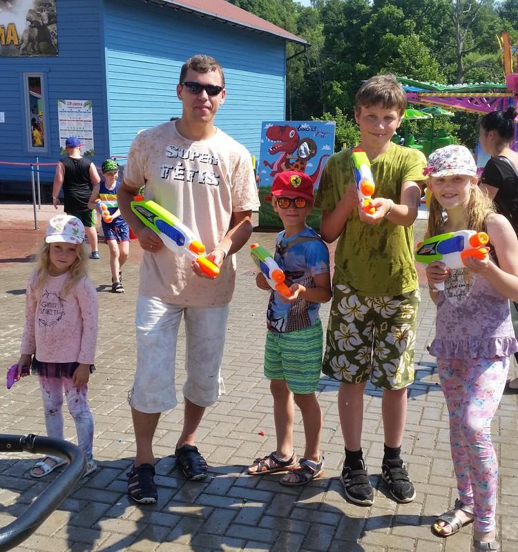 Saulėlydžio šeimos vasara: 5-asis Dinozaurų parko Radailiuose gimtadienis