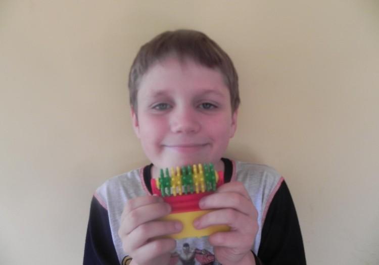 Konradas- kaip tetis - skutasi barzda :)