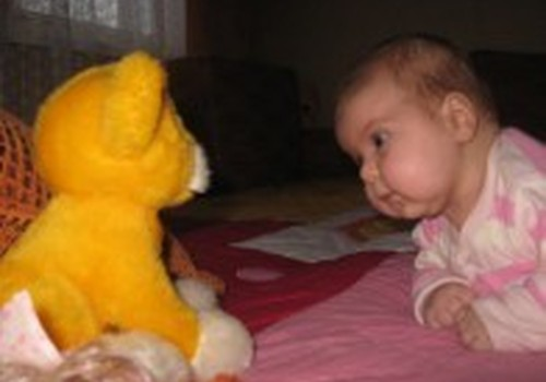 """Ieškome mažylių su """"kalbančiais"""" žaisliukais"""