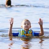 Na ir dar kita vasara. Didžiausias pasiekimas - maximali apsauga nuo skendimo ir stulbinamai ramus veidas vandenyje net iki pažastų
