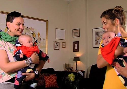 TV Mamyčių klubas 2014 10 11: auginame dvynukus, smagūs žaidimai ir kitokie pasivaikščiojimai su supermažyliu