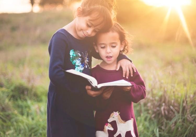 Kaip skaitymą savo vaikui garsiai paversti dar smagesne veikla?