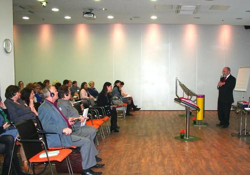 Vilniuje išskirtinę mokyklą įkūręs Australijos edukologas patirtimi dalinsis su Lietuvos mokytojais