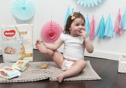 Patarimai jaunai mamai: pagalbininkai kasdienėje mažylio priežiūroje - drėgnos servetėlės Huggies®!
