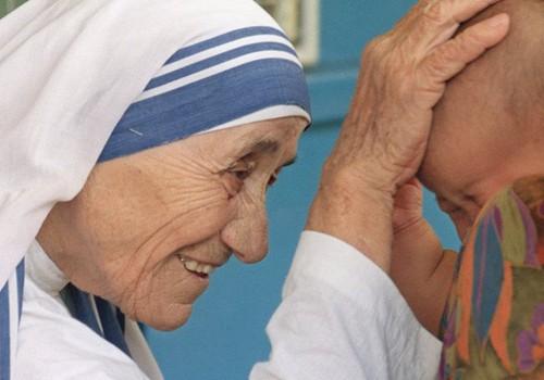 """Motina Teresė: """"Jei teisite žmones, nebeturėsite laiko jų mylėti"""""""
