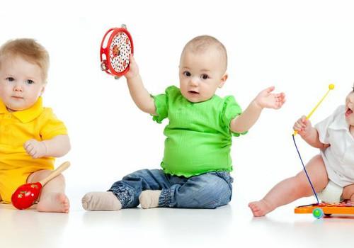 Kada su mažyliais galima lankyti muzikos pamokėles?