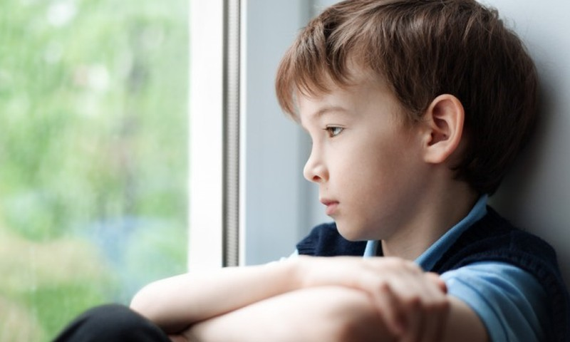 Kaip vaikas išgyvena netektį, priklauso nuo suaugusiųjų: psichologo patarimai