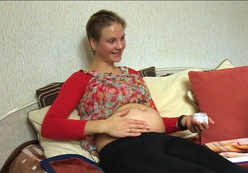 Vaisius jaučia stiprų stimulą, kai liečiamas mamos pilvas