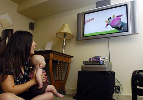 Kada vaikams galima žiūrėti televizorių?