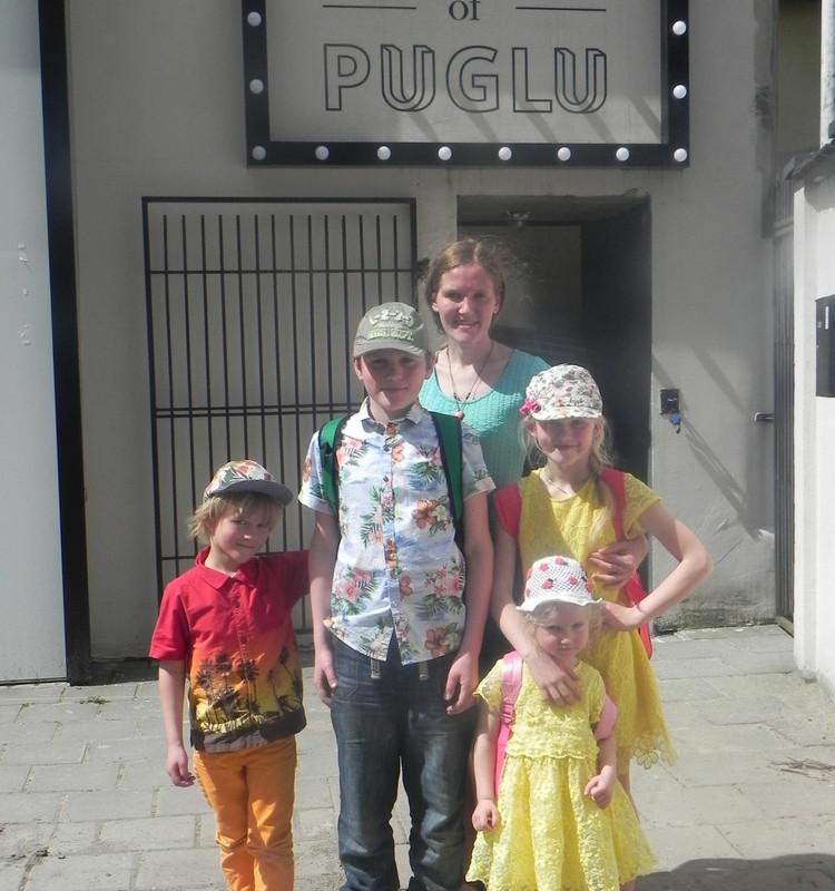 Apsilankymas House of Puglu spektaklyje ,,Pelyte Zita,, Aciu MAMYCIU KLUBUI ir HOUSE OF PUGLU