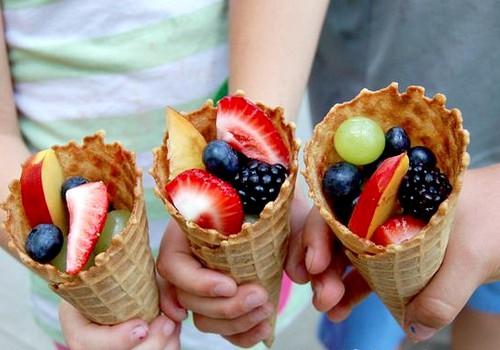 Idėjos vaiko gimtadienio vaišėms: vaisiai ir daržovės