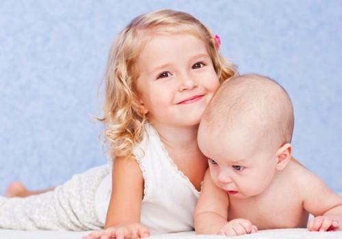 Sunkumai su vyresnėle, gimus broliukui - tipinė situacija: pataria psichologė