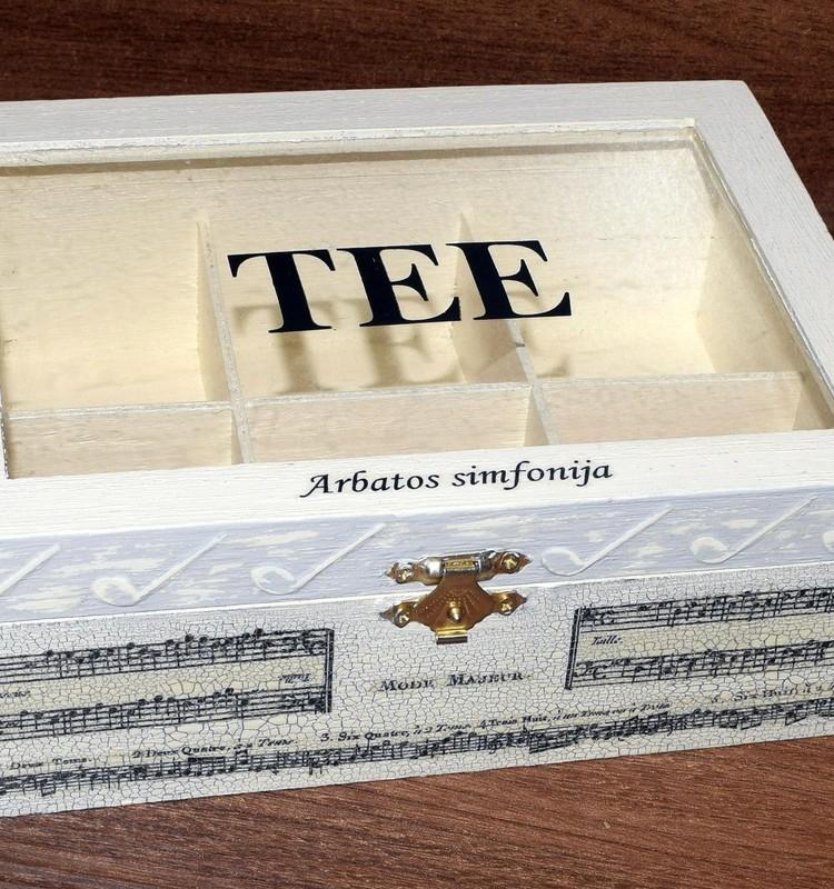 Dekupažas: baigta dėžutė