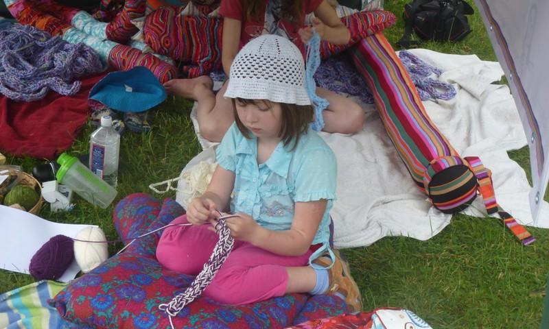 AISTRINGOJI VAIKYSTĖ. Kaip švęsime tarptautinę mezgimo dieną?