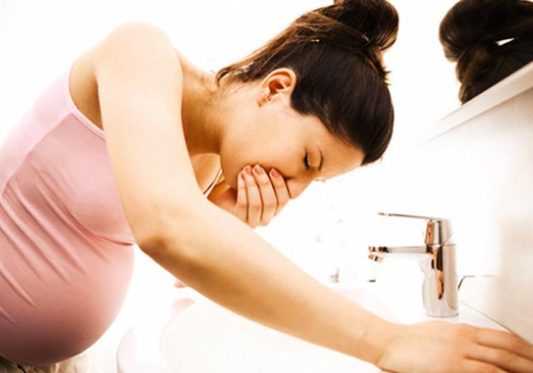 Toksikozė: kaip įveikti pykinimo priepuolius