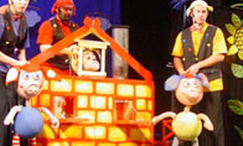 """Teatras """"Lėlė"""" kviečia spalį aplankyti puikius spektaklius"""
