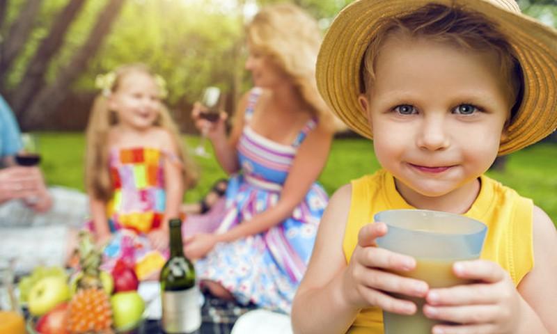 Kiek cukraus gali būti sultyse vaikams?