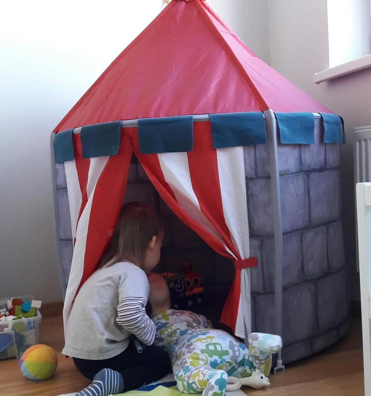 Du mažyliai namuose: adaptacija darželyje