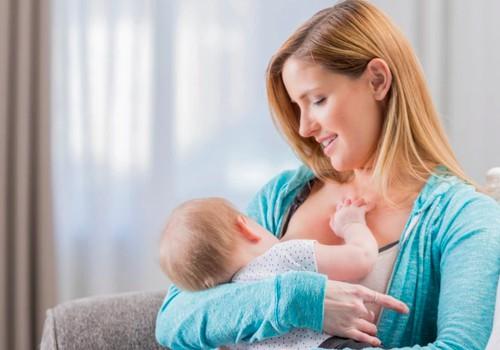 Akušerė Marija: Žindykite kūdikius pagal poreikį