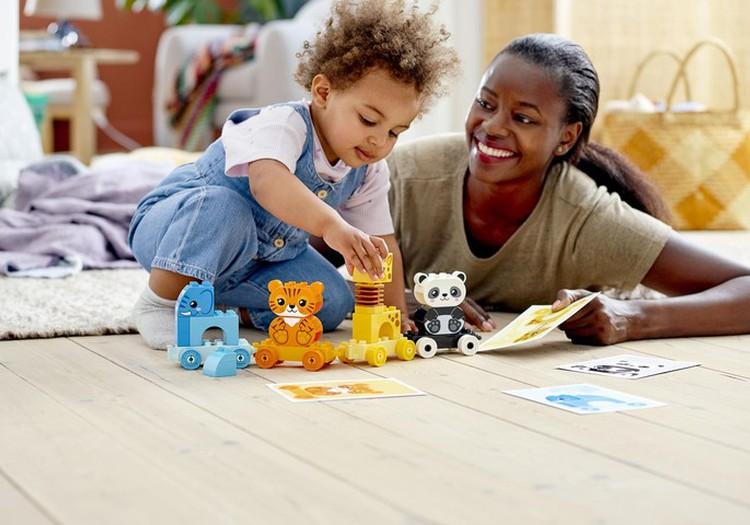 Mokymasis žaidžiant nuo pat mažens: keletas patarimų, kaip tai daryti sėkmingai