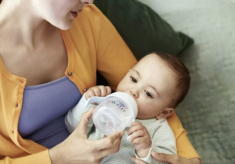 Padėkite mažyliui pradėti gerti iš puodelio: ieškome testuotojų sausį