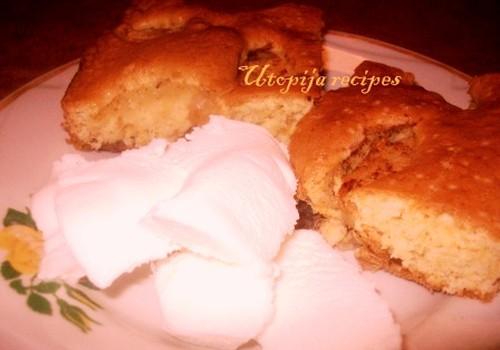 Obuolių pyragas prie kavos su ledais