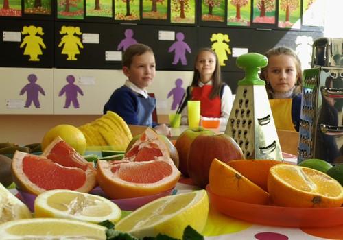 """VIDEO """"Gaminame su vaikais"""": idėjos, kaip paskaninti vandenį"""